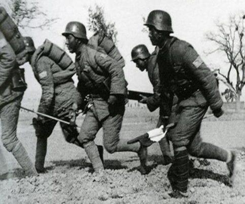 Атака китайских солдат. Декабрь 1939 г.