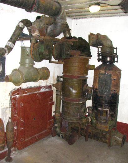 Фильтрационно-вентиляционная установка артиллерийского полукапонира.