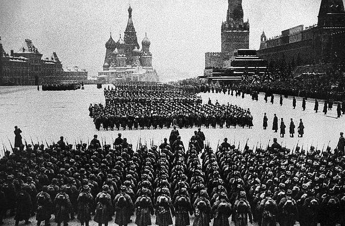Прохождение пехотных батальонов.