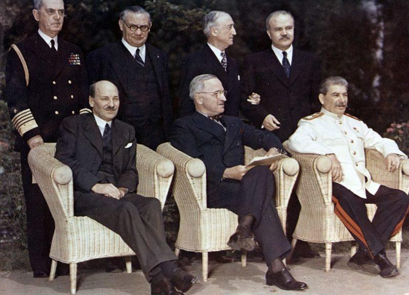 К. Эттли, Г. Трумэн и В. Сталин.