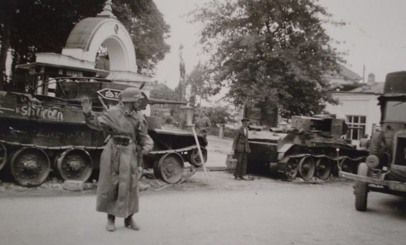 Разбитая советская техника. Июль 1941 г.