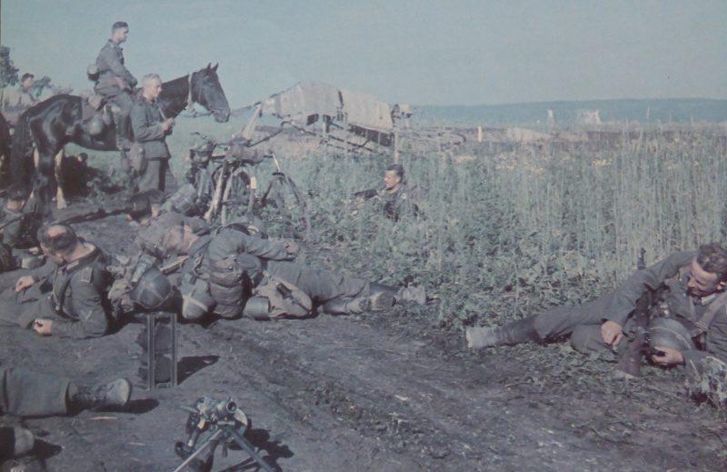 Немцы на привале. Июль 1942 г.
