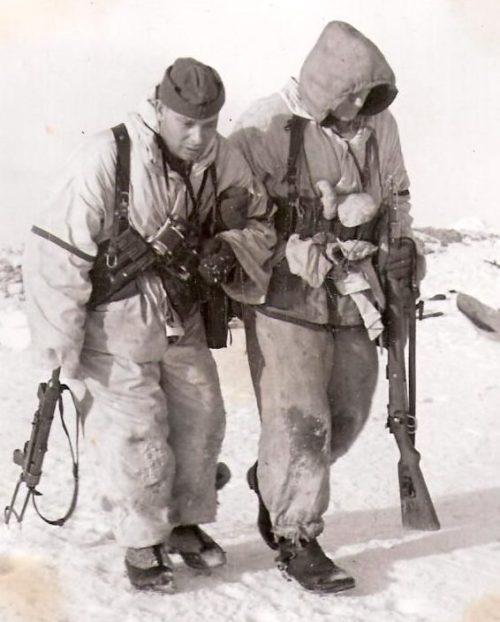 Сопровождение раненного. Февраль 1942 г.