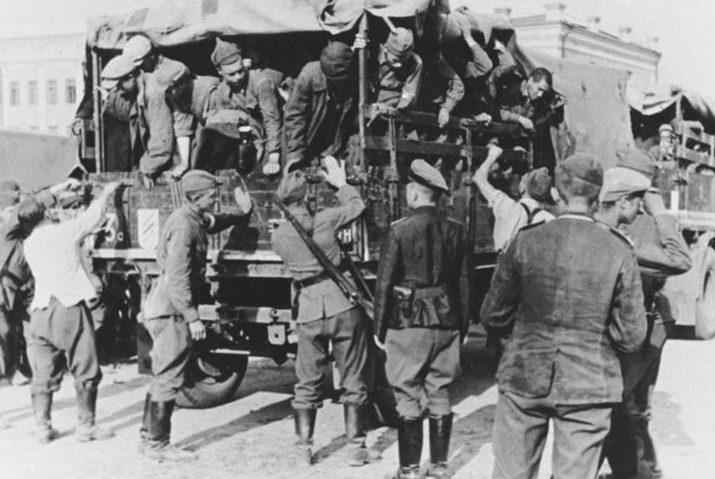 Прибытие военнопленных в «Stalag – 358». 24 июля 1941 г.