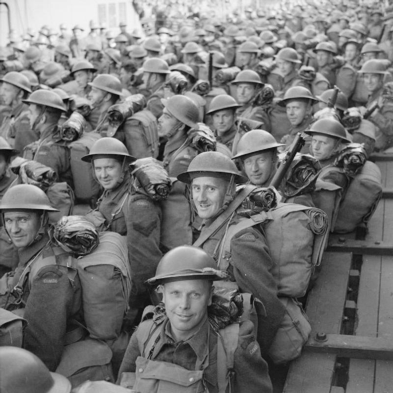 Канадские солдаты прибыли в Шотландию. 30 июня 1941 г.