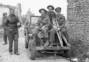 Канадские кинодокументалисты во Франции. 9 июля 1944 г.