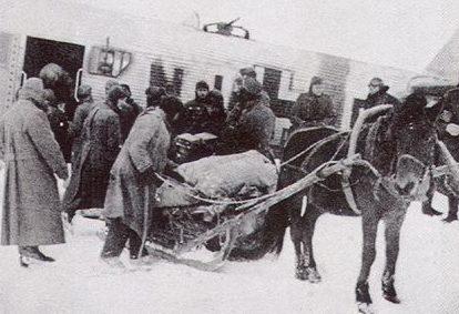 Снабжение немцев по воздуху с помощью транспортного самолета «Ju-52».Февраль 1942 г.