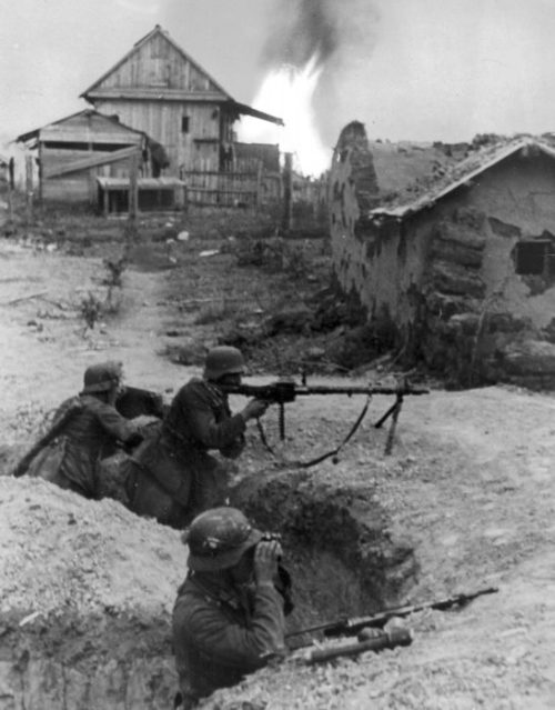 Немцы в обороне. 1942 г.