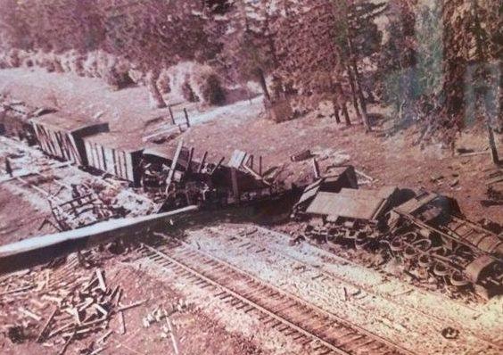 Разрушения на железной дороге. 1944 г.