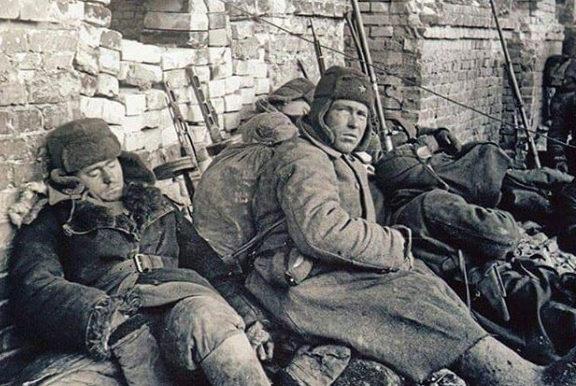 Отдых между боями. 1942 г.