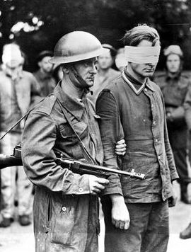 Немецкий военнопленный, захваченный во время рейда в Дьеппе во Франции. 19 августа 1942 г.