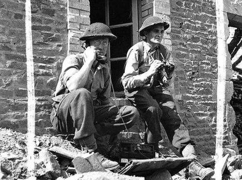 Канадцы корректируют минометный огонь. Фалеза, август 1944 г.