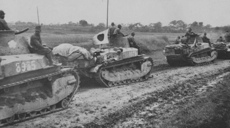 Колонна японских танков в Китае. 1937 г.