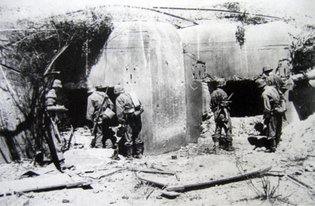 Брошенные и захваченные советские ДОТы укрепрайона. Июль 1941 г.