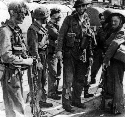 Выжившие солдаты после рейда на Дьепп. 20 августа 1942 г.