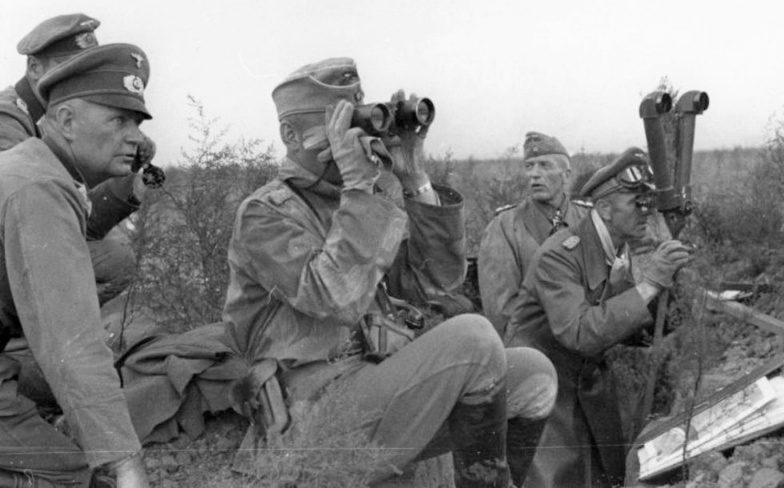 Командующий 6-й армией генерал-полковник Вермахта Ф. Паулюс под Сталинградом. 19 сентября 1942 г.