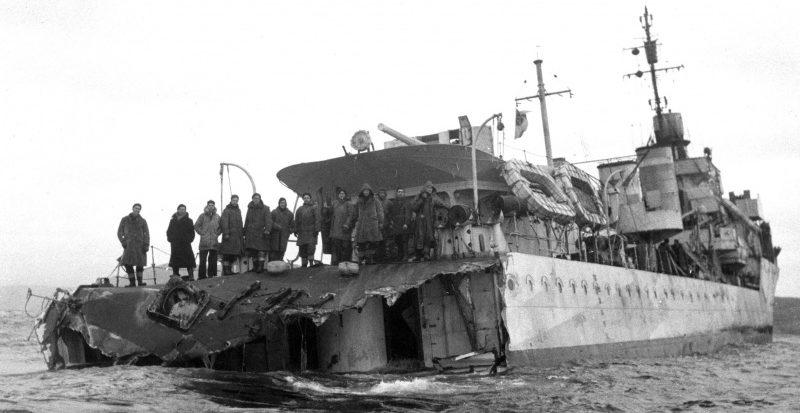 Поврежденный канадский эсминец «Сагеней». Ноябрь 1942 г.