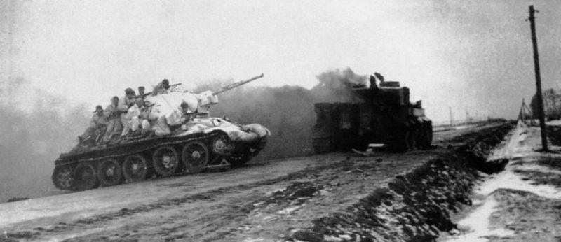 Советские танки в пригороде Житомира. Декабрь 1943 г.