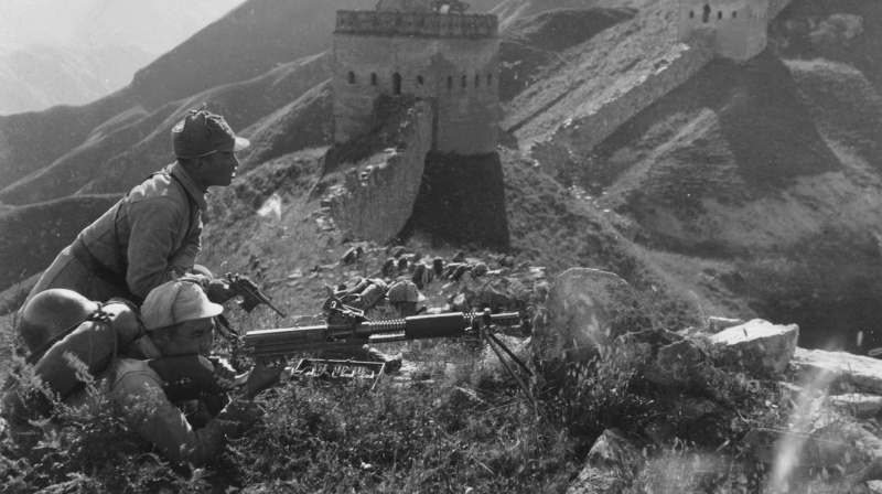 Китайские войска, занявшие оборону на Великой Китайской стене в районе деревни. 1938 г.