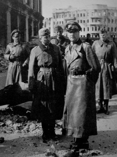 Командующий немецкой 6-й армией генерал Фридрих Паулюс в Сталинграде. Ноябрь 1942 г.