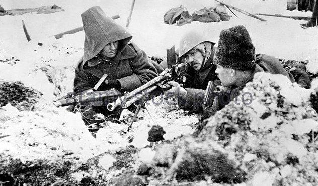 Румынские солдаты на передовой. Декабрь 1942 г.