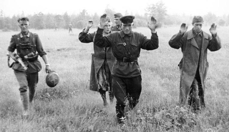 Пленение командиров Красной Армии.