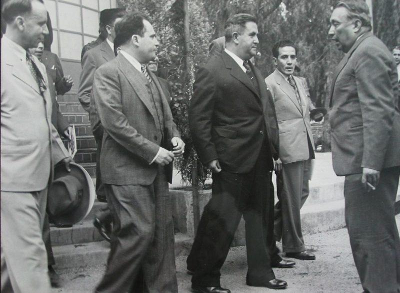 Президент Мексики - генерал Мануэль Авила Камачо (третий слева). 1940 г.