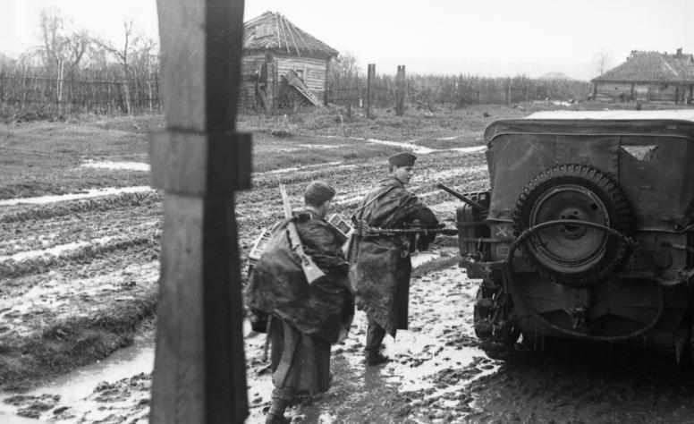 Немецкие солдаты у Ржева.