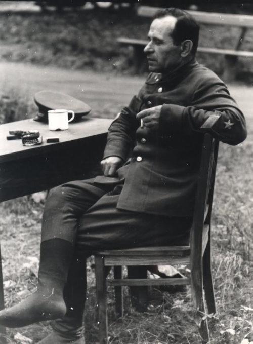 Генерал-майор Шепетов И.М. в немецком плену.