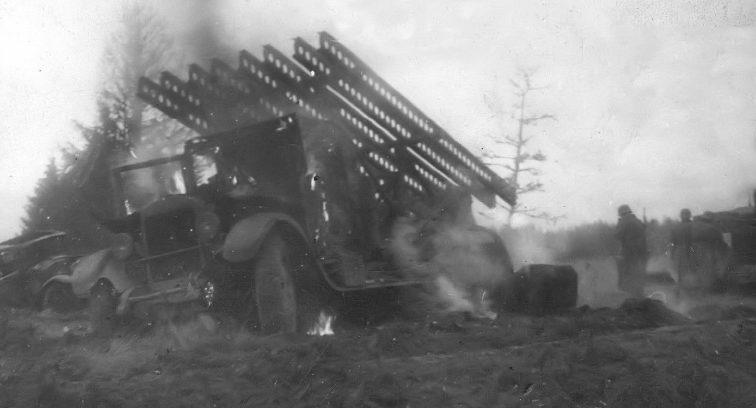 «Катюши» БМ-13 на шасси грузовика ЗИС-12, потерянные в районе Можайска. Октябрь 1941 г.