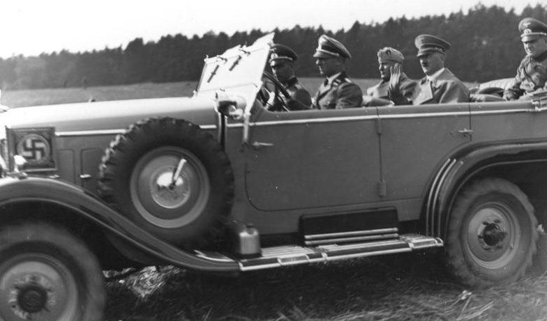 Бенито Муссолини и Адольф Гитлер. Берлин, 1937 г.