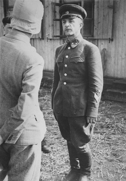 Начальник штаба 6-го стрелкового корпуса генерал-майор Рихтер Б.С. в немецком плену.