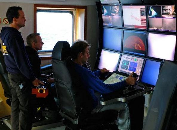 Пост управления подводным роботом.