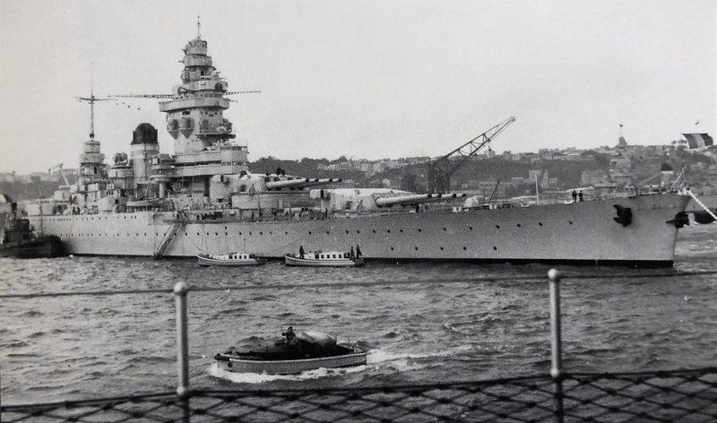 Французский линкор «Strasbourg» в порту Бреста. 1939 г.