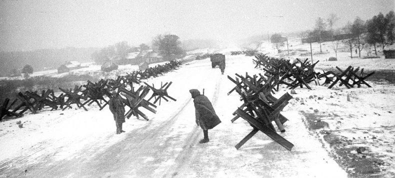 Противотанковые «ежи» на Можайском направлении. Октябрь 1941 г.