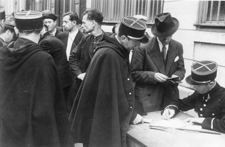 Регистрация евреев в Париже. Август 1941 г.