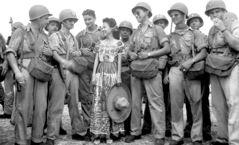 Пилоты 201-й эскадрильи прибыли в Манилу. 1945 г.