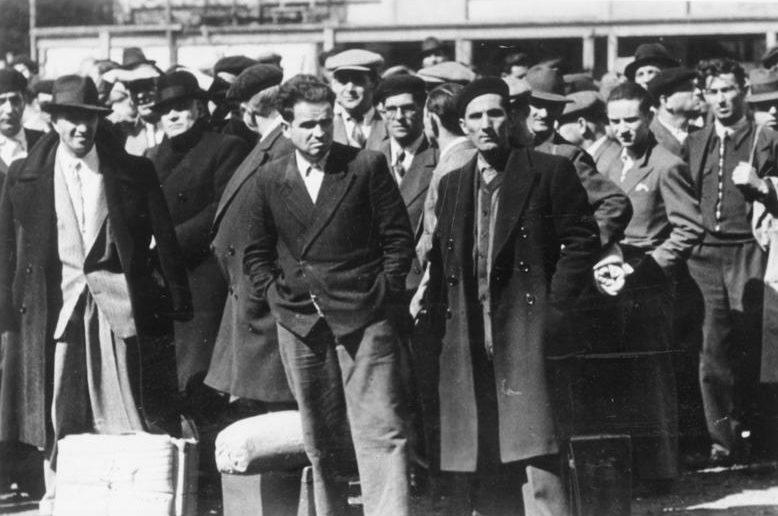 Депортация иностранных евреев из Парижа. Август 1941 г.