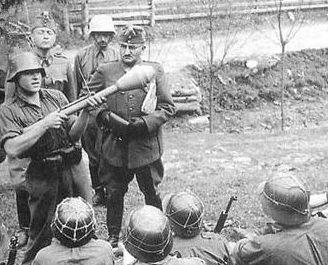 Солдаты венгерской дивизии СС «Хуньяди». 1944 г.