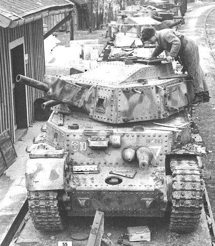 Брошенные венгерские танки на Восточном фронте. 1944 г.