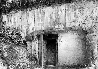 Западной вход в артиллерийский бункер линии «Арпада» в Восточных Карпатах. 1944 г.