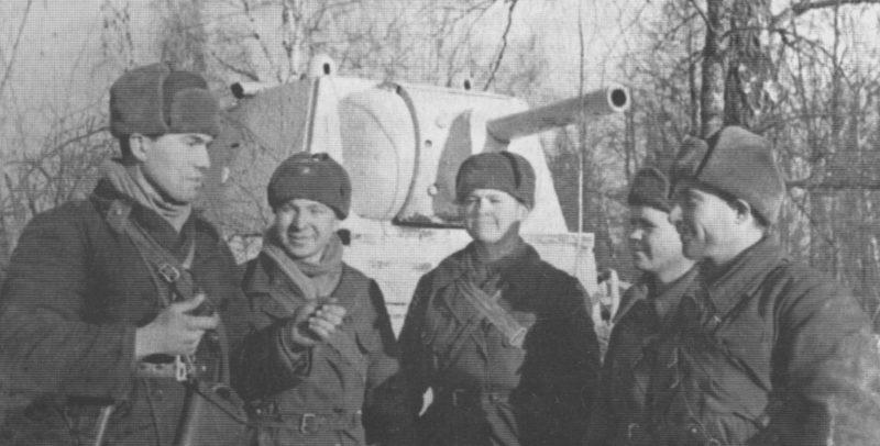 Советские танкисты на Можайском направлении. Декабрь 1941 г.