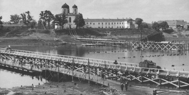 Построенный мост через Западную Двину. Июль 1941 г.