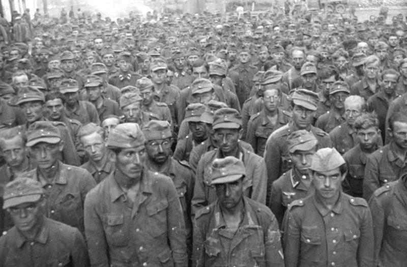 Колонны пленных немцев на Крещатике.