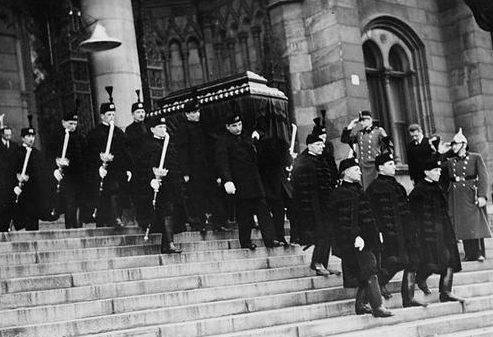 Похороны графа Поля Телеки - премьер-министра Венгрии. 3 апреля 1941 г.
