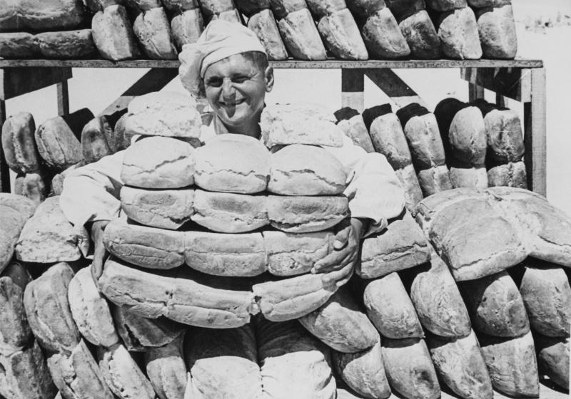 Французский военный пекарь в Западной пустыне. 30 декабря 1941 г.