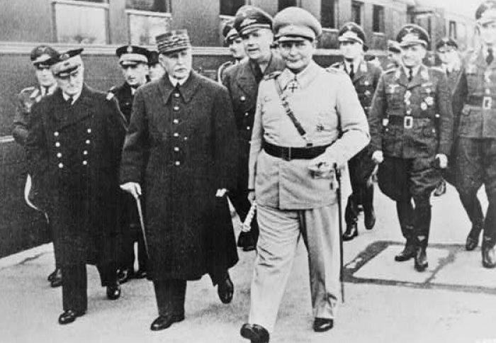 Герман Геринг и маршал Петэн. Декабрь 1941 г.