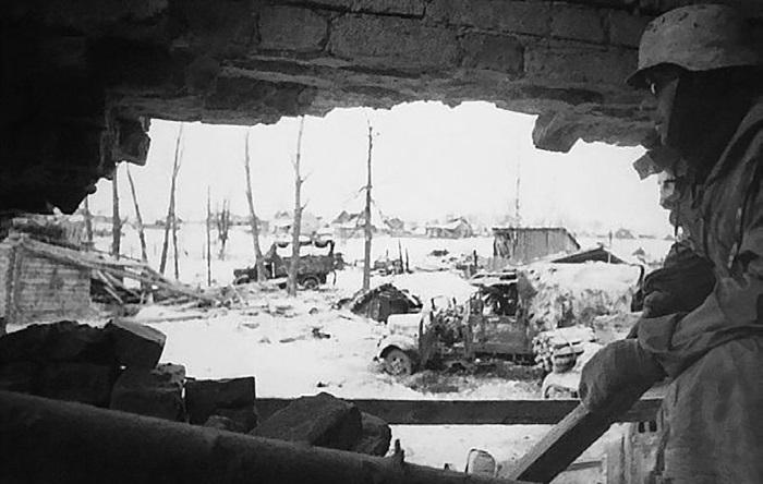 Немецкий солдат в дозоре. Февраль 1942 г.