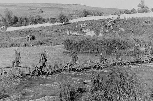 Переправа через реку Збруч. 1941 г.