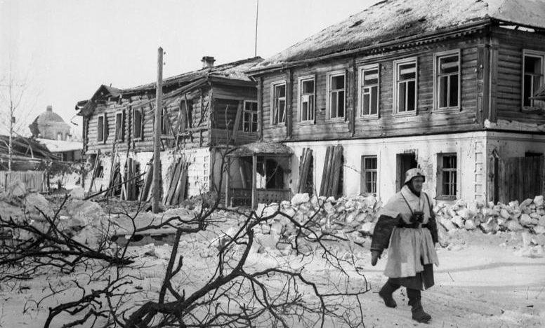 Центр города в оккупации. Март 1942 г.